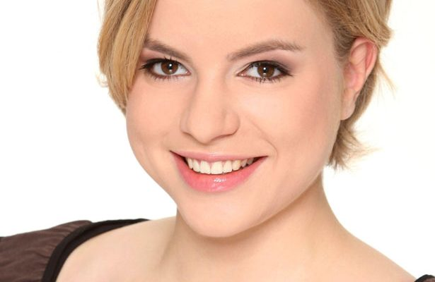 Julia  Engelmann,  la  bertsolari  alemana  que  triunfa  en  la  red