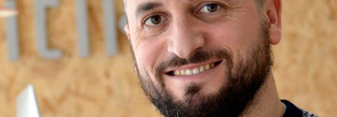 """Mikel  Zufiria:  """"Oso  logikoa  da  alemana  eta  euskal  hiztunentzat  ahozkatzeko  oso  erraza,  frantsesa  edo  ingelesa  ez  bezala"""""""