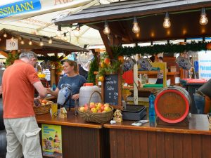apfelweinfestival-rossmarkt_front_magnific