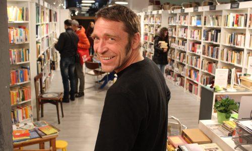 Marco  Pöppelmann:  practico  el  euskera  con  los  clientes  de  mi  librería  –  Mi  receta:  lomo  de  cerdo  a  la  sal